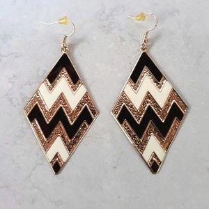 Chevron Gold•Black & White Light Weight Earings